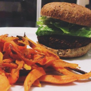 Black Bean and Quinoa Veggie Burgers with Baked Sweet Potato Fries // thoughtsbynatalie.com